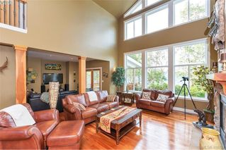 Photo 12: 713 Skyview Place in VICTORIA: Hi Western Highlands Single Family Detached for sale (Highlands)  : MLS®# 416792