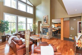 Photo 11: 713 Skyview Place in VICTORIA: Hi Western Highlands Single Family Detached for sale (Highlands)  : MLS®# 416792