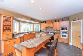 Photo 21: 713 Skyview Place in VICTORIA: Hi Western Highlands Single Family Detached for sale (Highlands)  : MLS®# 416792