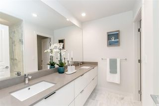 Photo 4: 119 10388 No. 2 Road in Richmond: Woodwards Townhouse for sale : MLS®# R2434941