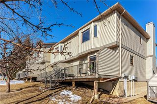 Photo 34: 89 PATINA Park SW in Calgary: Patterson Row/Townhouse for sale : MLS®# C4292890