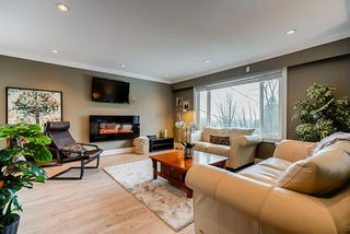 Photo 2: 2994 PASTURE Circle in Coquitlam: Ranch Park House for sale : MLS®# R2463081