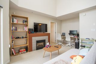 """Photo 4: 410 7339 MACPHERSON Avenue in Burnaby: Metrotown Condo for sale in """"Cadence"""" (Burnaby South)  : MLS®# R2463401"""