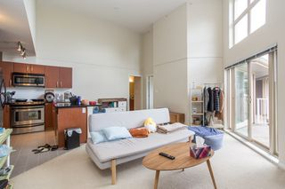 """Photo 5: 410 7339 MACPHERSON Avenue in Burnaby: Metrotown Condo for sale in """"Cadence"""" (Burnaby South)  : MLS®# R2463401"""