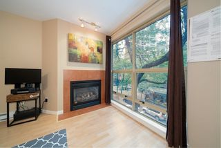 """Photo 4: 305 819 HAMILTON Street in Vancouver: Downtown VW Condo for sale in """"Eight.One.Nine"""" (Vancouver West)  : MLS®# R2506322"""
