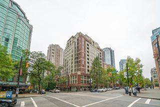 "Photo 16: 305 819 HAMILTON Street in Vancouver: Downtown VW Condo for sale in ""Eight.One.Nine"" (Vancouver West)  : MLS®# R2506322"