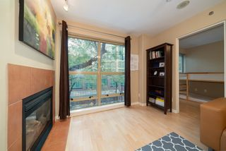 """Photo 3: 305 819 HAMILTON Street in Vancouver: Downtown VW Condo for sale in """"Eight.One.Nine"""" (Vancouver West)  : MLS®# R2506322"""