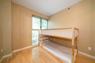 "Photo 9: 305 819 HAMILTON Street in Vancouver: Downtown VW Condo for sale in ""Eight.One.Nine"" (Vancouver West)  : MLS®# R2506322"