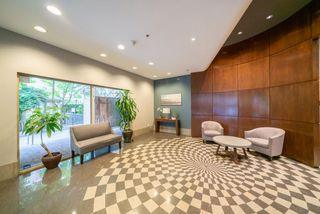 """Photo 15: 305 819 HAMILTON Street in Vancouver: Downtown VW Condo for sale in """"Eight.One.Nine"""" (Vancouver West)  : MLS®# R2506322"""