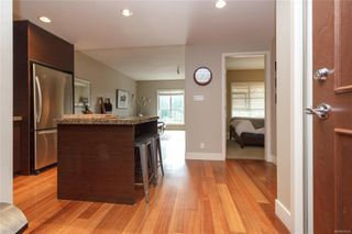 Photo 5: 214 1400 Lynburne St in : La Bear Mountain Condo for sale (Langford)  : MLS®# 858393