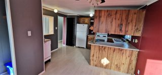 """Photo 6: 12827 MEADOW HEIGHTS Road in Fort St. John: Fort St. John - Rural W 100th Manufactured Home for sale in """"MEADOW HEIGHTS"""" (Fort St. John (Zone 60))  : MLS®# R2513549"""