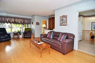 Photo 4: 18 Strathroy Crest in Markham: House (Bungalow) for sale (N11: LOCUST HIL)  : MLS®# N1720881