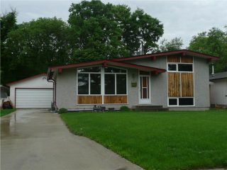 Main Photo: 226 PARKVILLE Bay in WINNIPEG: St Vital Residential for sale (South East Winnipeg)  : MLS®# 1010600