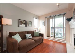 """Photo 2: 301 688 E 16TH Avenue in Vancouver: Fraser VE Condo for sale in """"VINTAGE EAST SIDE"""" (Vancouver East)  : MLS®# V834887"""