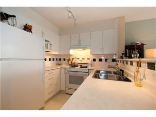 """Photo 10: 301 688 E 16TH Avenue in Vancouver: Fraser VE Condo for sale in """"VINTAGE EAST SIDE"""" (Vancouver East)  : MLS®# V834887"""