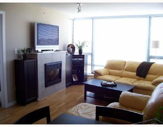"""Photo 5: 904 4178 DAWSON Street in Burnaby: Brentwood Park Condo for sale in """"TANDEM"""" (Burnaby North)  : MLS®# V720086"""