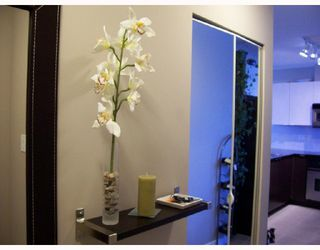 """Photo 3: 904 4178 DAWSON Street in Burnaby: Brentwood Park Condo for sale in """"TANDEM"""" (Burnaby North)  : MLS®# V720086"""