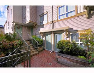 """Photo 10: 9 2375 W BROADWAY BB in Vancouver: Kitsilano Townhouse for sale in """"TALIESEN"""" (Vancouver West)  : MLS®# V755443"""