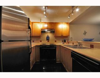 """Photo 4: 9 2375 W BROADWAY BB in Vancouver: Kitsilano Townhouse for sale in """"TALIESEN"""" (Vancouver West)  : MLS®# V755443"""