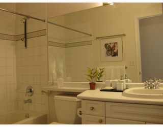Photo 5: 403 2965 HORLEY Street in Vancouver: Collingwood VE Condo for sale (Vancouver East)  : MLS®# V760865