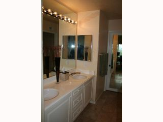 Photo 10: CARMEL VALLEY Condo for sale : 2 bedrooms : 3735 Ruette De Ville in San Diego