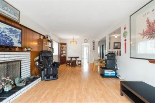 Photo 3: 2217 E 48TH Avenue in Vancouver: Killarney VE House for sale (Vancouver East)  : MLS®# R2396238