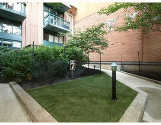 "Photo 10: 419 22 E CORDOVA Street in Vancouver: Downtown VE Condo for sale in ""Van Horne"" (Vancouver East)  : MLS®# V780165"