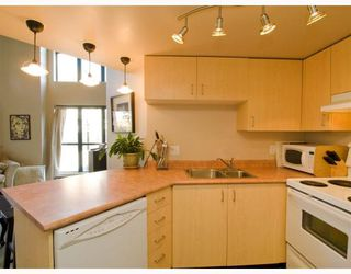 "Photo 3: 419 22 E CORDOVA Street in Vancouver: Downtown VE Condo for sale in ""Van Horne"" (Vancouver East)  : MLS®# V780165"