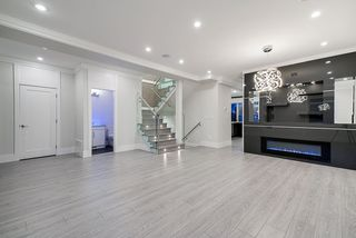 Photo 3: 858 160 Street in Surrey: King George Corridor House for sale (South Surrey White Rock)  : MLS®# R2423268
