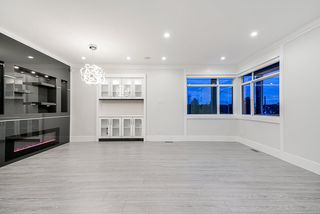 Photo 5: 858 160 Street in Surrey: King George Corridor House for sale (South Surrey White Rock)  : MLS®# R2423268