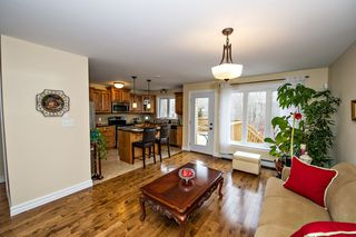 Photo 8: 101 Capstone Crescent in Bedford: 20-Bedford Residential for sale (Halifax-Dartmouth)  : MLS®# 202003013