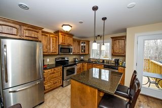 Photo 2: 101 Capstone Crescent in Bedford: 20-Bedford Residential for sale (Halifax-Dartmouth)  : MLS®# 202003013