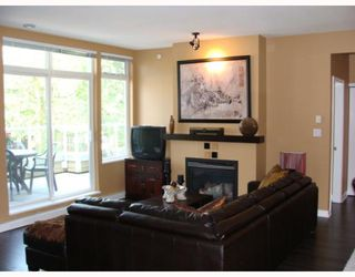 "Photo 2: 402 2628 YEW Street in Vancouver: Kitsilano Condo for sale in ""CONNAUGHT PLACE"" (Vancouver West)  : MLS®# V784003"