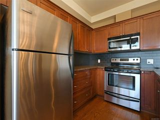Photo 8: 204 866 Goldstream Ave in : La Langford Proper Condo for sale (Langford)  : MLS®# 853615