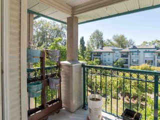 "Photo 31: 323 19528 FRASER Highway in Surrey: Cloverdale BC Condo for sale in ""Fairmont on the Boulevard"" (Cloverdale)  : MLS®# R2496518"