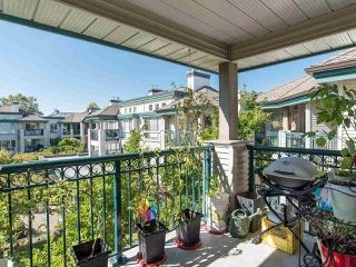"Photo 30: 323 19528 FRASER Highway in Surrey: Cloverdale BC Condo for sale in ""Fairmont on the Boulevard"" (Cloverdale)  : MLS®# R2496518"