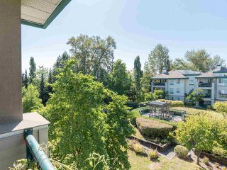 "Photo 34: 323 19528 FRASER Highway in Surrey: Cloverdale BC Condo for sale in ""Fairmont on the Boulevard"" (Cloverdale)  : MLS®# R2496518"
