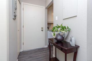 Photo 3: 303 2022 Foul Bay Rd in : Vi Jubilee Condo for sale (Victoria)  : MLS®# 859227