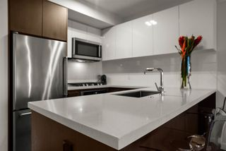 """Photo 7: 408 384 E 1ST Avenue in Vancouver: Strathcona Condo for sale in """"CANVAS"""" (Vancouver East)  : MLS®# R2519419"""
