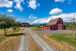 Photo 1: 9081 PREST Road in Chilliwack: East Chilliwack House for sale : MLS®# R2520939