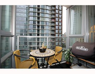 """Photo 8: 1701 1495 RICHARDS Street in Vancouver: False Creek North Condo for sale in """"AZURA 2"""" (Vancouver West)  : MLS®# V806188"""