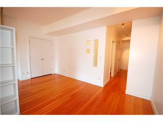 "Photo 3: 706 528 BEATTY Street in Vancouver: Downtown VW Condo for sale in ""BOWMAN LOFTS"" (Vancouver West)  : MLS®# V841624"