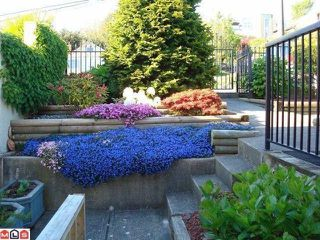 Photo 4: 15074 ROYAL Avenue: White Rock House for sale (South Surrey White Rock)  : MLS®# F1021776