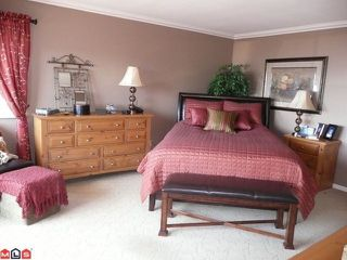 Photo 7: 15074 ROYAL Avenue: White Rock House for sale (South Surrey White Rock)  : MLS®# F1021776