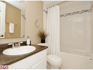 """Photo 8: 101 1458 BLACKWOOD Street: White Rock Condo for sale in """"Champlain Manor"""" (South Surrey White Rock)  : MLS®# F1022720"""