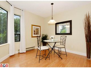 """Photo 3: 101 1458 BLACKWOOD Street: White Rock Condo for sale in """"Champlain Manor"""" (South Surrey White Rock)  : MLS®# F1022720"""