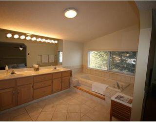 Photo 11: 448 WILLINGDON Boulevard SE in CALGARY: Willow Park Estates Residential Detached Single Family for sale (Calgary)  : MLS®# C3364830