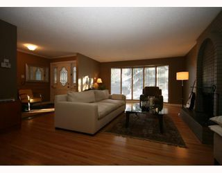Photo 4: 448 WILLINGDON Boulevard SE in CALGARY: Willow Park Estates Residential Detached Single Family for sale (Calgary)  : MLS®# C3364830
