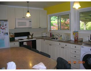 """Photo 4: 1269 DOGWOOD Crescent in North_Vancouver: Norgate House for sale in """"NORGATE"""" (North Vancouver)  : MLS®# V773935"""