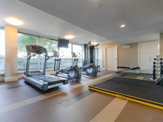 """Photo 18: 330 2008 PINE Street in Vancouver: False Creek Condo for sale in """"MANTRA"""" (Vancouver West)  : MLS®# R2412400"""